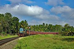 LK | 2019-02-02 | Polgahawela (Thomas Kabisch) Tags: lk slr srilanka srilankarailway m8 polgahawela