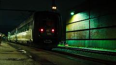 Abends Richtung Aarhus (フォトグラファー @davedesignz7993) Tags: padborg danmark tog dsb lights shadows train railstation dark rain storm denmark fuji fujinon fujixt10 fujifilm japan