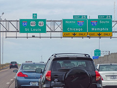 I-64 & I-270 Interchange, 15 June 2019 (photography.by.ROEVER) Tags: missouri vacation trip roadtrip summertrip weekendtrip 2019 june june2019 stlouis saintlouis stlouistrip drive driving driver driverpic road highway ontheroad stlouiscounty saintlouiscounty townandcountry towncountry i64 interstate64 us40 us61 highway40 highway61 eastbound eastboundi64 eastboundus40 i270 interstate freeway interchange ramp exit junction exit25 sign overheadsign bgs biggreensign usa