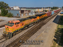 BNSF 523 BNSF 543 | GE B40-8W | BNSF Thayer South Subdivision (M.J. Scanlon) Tags: atsf523 atsf543 b408w bnsf523 bnsf543 bnsfthayersouthsubdivision business cargo commerce digital engine freight ge horsepower landscape locomotive logistics mmempba mmempba103a mempba memphis merchandise mojo move outdoor rail railfan railfanning railroad railroader railway santafe scanlon tennessee track train trains transport transportation warbonnet ©mjscanlon ©mjscanlonphotography