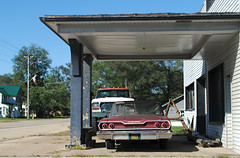 1963 Chevy Biscayne (Cragin Spring) Tags: avoca avocawi avocawisconsin smalltown rural wisconsin wi unitedstates usa unitedstatesofamerica vehicle garage car chevy chevrolet 1963 biscayne