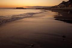 Kamakura Sunset Beach (seiji2012) Tags: japan kamakura beach sunset shichirigahama tide silhouette 鎌倉 七里ヶ浜 夕日 日没 シルエット 江ノ島 湘南