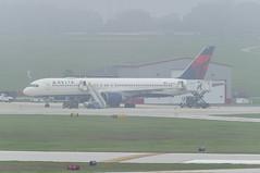 Delta Air Lines Boeing 757-232 N650DL (MIDEXJET (Thank you for over 2 million views!)) Tags: milwaukee milwaukeewisconsin generalmitchellinternationalairport milwaukeemitchellinternationalairport kmke mke gmia flymke deltaairlinesboeing757232n650dl deltaairlines boeing757232 n650dl boeing757200 boeing757 boeing 757 757200 757232 flymkemkemkehomemkeplanespotter wisconsinplanespotter avgeekavphotographyaviationavaviationgeek aviationlifeaviationphotoaviationphotosaviationpicaviationpicsaviationpicturesplanespotterplanespottermke