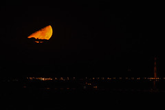 Crescent moonset over Golden Gate Bridge (Minder Cheng) Tags: goldengatebridge berkeleyhills moon berkeley california unitedstates