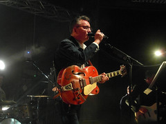 Richard Hawley, Sheffield Octagon 2019 (Dave_Johnson) Tags: guitar richardhawley guitarist hawley shezsheridan jontrier concert gig group livemusic band singer further songwriter hollowmeadows deanberesford truelovesgutter standingattheskysedge collinelliot music university live uni octagon sheffieldoctagon sheffielduniversity universityofsheffield theoctagon octagoncentre sheffieldlegend sheffield yorkshire southyorkshire