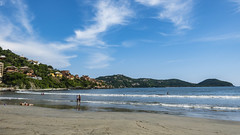 2019-09-04-171518_Zihuatanejo_Playa La Madera (prinzipal) Tags: public zihuatanejo guerrero mexiko geo:country=mexiko exif:model=dscrx100m5a geo:city=zihuatanejo exif:make=sony camera:make=sony geo:state=guerrero exif:aperture=ƒ56 geo:lat=17639185021997 exif:lens=2470mmf1828 geo:lon=10155283628623 exif:isospeed=125 exif:focallength=88mm camera:model=dscrx100m5a