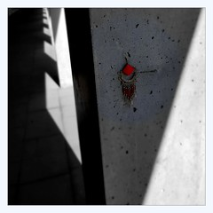 lost (overthemoon) Tags: arcade concrete earring utata ip ironphotographer utata:project=ip290 290 angles light shadow red pillar square maillefer