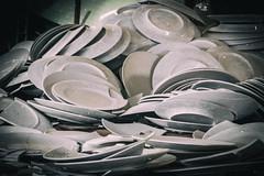 Streit gibt es überall mal (michael_hamburg69) Tags: lostplace offthemap abandonedplace urbanexploration urbex porzellanfabrik porzellan porcelain factory bonechina phototourmit3daybeard3tagebart teller plate plates