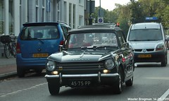 Triumph Herald 13/60 Saloon 1970 (Wouter Bregman) Tags: 4575pp triumph herald 1360 saloon 1970 triumphherald rhd prinsen bolwerk n200 haarlem nederland holland netherlands paysbas vintage old classic british car auto automobile voiture ancienne anglaise uk brits vehicle outdoor
