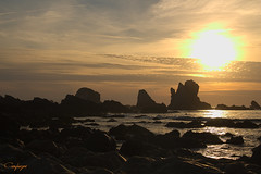 Quisiera saber...277/365 (cienfuegos84) Tags: playadelsilencio sunset atardecer sol sun rocas stones