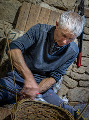 Quick hands (alisonsage1) Tags: wicker willow baskets basketweaving willowweaving natural