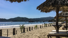 2019-09-05-164332_Zihuatanejo_Playa La Ropa (prinzipal) Tags: public zihuatanejo guerrero mexiko geo:country=mexiko exif:make=apple exif:isospeed=25 geo:city=zihuatanejo camera:make=apple geo:state=guerrero geo:lon=10154764191239 exif:lens=iphonesebackcamera415mmf22 geo:lat=17632666359183 exif:model=iphonese exif:aperture=ƒ22 camera:model=iphonese exif:focallength=415mm