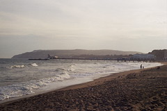 Sandown Beach (andy broomfield) Tags: film filmphotography 35mm 35mmphotography analogphotography filmisnotdead prakticamtl3 lomography lomography100 filmisbeautiful isleofwight sandown seaside seasidetown sandownpier beach