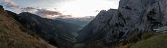 Stripsenjoch Sunrise (F. Montino) Tags: alps mountain peaks wilderkaiser österreich autumn alpen stripsenjoch stripsenjochhaus elmauertor goingerhalt sky grass leaf color panorama sunrise