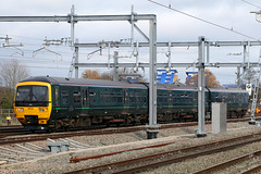 165106, Reading, March 18th 2017 (Southsea_Matt) Tags: 165106 class165 brel networker dieselmultiple dmu firstgreatwestern greatwesternrailway reading berkshire unitedkingdom england march 2017 spring canon 80d sigma 1850mm train railway railroad transport station