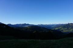 DSC02575 (Bergwandern Alpen) Tags: alpen alps bergwandern hiking sihlsee morgendämmerung berglandschaft panorama ybrig kantonschwyz blauerhimmel bluesky down daybreak