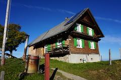 DSC02630 (Bergwandern Alpen) Tags: alpen alps bergwandern hiking wildegg alpwirtschaftwildegg kantonschwyz solarpanel alpwirtschaft berggasthaus inn bluesky