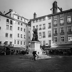 DSCF1493 (jerome_petitpas) Tags: grenoble noiretblanc blackandwhite bw x100f fujiflim fuji streetphotography cycle