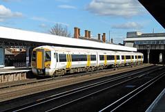 375926 Tonbridge (CD Sansome) Tags: tonbridge station south eastern govia southeastern train trains electrostar 375 375926