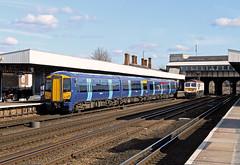 375619 Tonbridge (CD Sansome) Tags: tonbridge station south eastern govia southeastern train trains electrostar 375 375619 66721