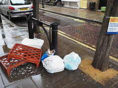 20191012T12-14-10Z (fitzrovialitter) Tags: fitzrovia england unitedkingdom peterfoster fitzrovialitter street city urban streets london westminster camden candid streetphotography documentary environment reportage authenticstreet journal photojournalism editorial daybyday m43 mft sooc microfourthirds μft μ43 mzuiko 1240mmpro olympusem1markii exiftool gpicsync