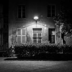 DSCF1440 (jerome_petitpas) Tags: grenoble noiretblanc blackandwhite bw x100f fujiflim fuji streetphotography cycle