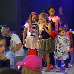 We_Are_Botkyrka_2019-08-25_522_ARGB (Viktor_K79) Tags: viärbotkyrka wearebotkyrka 2019 botkyrka hågelby celebration outdoor children girls childrenonstage