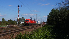 193 306 + 193 xxx / DB - München Freimann (lukasrothmann) Tags: bayern oberbayern münchen freimann mfm trains train zug lok lokomotive siemens vectron 193 db cargo dbcargo klv formsignal