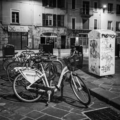 DSCF1451 (jerome_petitpas) Tags: grenoble noiretblanc blackandwhite bw x100f fujiflim fuji streetphotography cycle