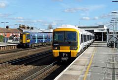 465911 465912 375605 Tonbridge (CD Sansome) Tags: tonbridge station south eastern govia southeastern train trains 465 networker 465911 465912 375605 375 electrostar