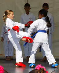 We_Are_Botkyrka_2019-08-25_079_ARGB (Viktor_K79) Tags: viärbotkyrka wearebotkyrka 2019 botkyrka hågelby celebration outdoor children girls botkyrkashukokai karate