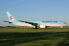hl7715taaams210919 (LHR Photos) Tags: hl7715 b777 korean air ams