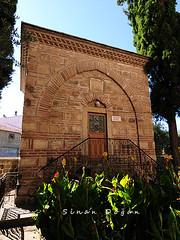 Bülbül Hatun ve Ahmet Bey Türbesi (Sinan Doğan) Tags: bursa bursacamileri turkey türkiye karacabey karacabeyimaretcamii gezi muslim türbe tomb bülbülhatunveahmetbeytürbesi