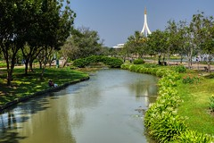 Suan Luang Rama IX park in Bangkok, Thailand (UweBKK (α 77 on )) Tags: suanluang suan luang rama ix park garden recreation outdoors tree bush flower lake water green grass bangkok thailand southeast asia sony alpha 77 slt dslr