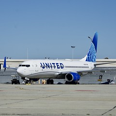 United Airlines 2001 Boeing 737-800 N37267 c/n 31586 at San Francisco Airport 2019. (17crossfeed) Tags: unitedairlines unitedexpress boeing 737 737800 airport airplane aviation aircraft paint n37267 31586 airbus flying flight claytoneddy claytoneddy90 17crossfeed flightattendant pilot planes planespotting plane tower taxi takeoff 787 777 747 757