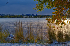 Fall Snow - At Cherry Creek Reservoir (dcstep) Tags: cherrycreekstatepark colorado usa cherrycreekreservoir cherrycreeklake aurora allrightsreserved copyright2019davidcstephens snow sonya7riii sonyfe100400mmf4556gmoss water fog steam leaves fall dxophotolab dsc4719dxo fallsnow