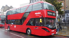 P1180194 BDE2647 LJ19 CVX at Angel Station Upper Street Islington London (LJ61 GXN (was LK60 HPJ)) Tags: metroline byd enviro400ev electric enviro400evcity e400ev 109m 10900mm enviro400city bde2647 lj19cvx j42822