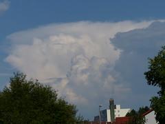aufgeschichtet 001 (bratispixl) Tags: turbulenzen atmosphäre wolken bratispixl