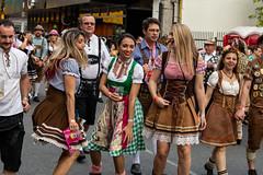 Desfile Oktoberfest 2018 (Luiz Felipe Marcondes) Tags: 2018 blumenau catarina cerveja chopp desfile ein frida oktober oktoberfest prosit sc santa