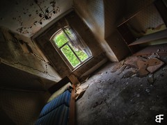 abandoned Hotel - check in (baumfinder) Tags: abandoned verlassen verfall decay hotel room bed single check in urbex urbanexploration thuringia