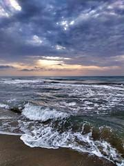 Baix Llobregat. Playa de Gavà. (Lucio José Martínez González) Tags: luciojosémartínezgonzález barcelona barcelonès gavà cataluña catalonia españa spain playabeach clouds nubes sea mar mediterráneo mediterraneo mediterranean beach playa sky cielo asbeautifulasyouwant ngc