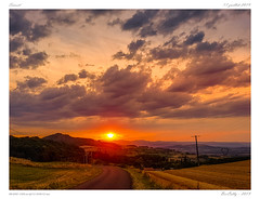 Coucher de soleil | Sunset (BerColly) Tags: france auvergne puydedôme paysage landscape coucherdesoleil sunset ciel sky nuages clouds smartphone samsungs7 bercolly google flickr