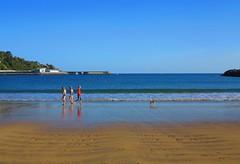 Escenas de verano (eitb.eus) Tags: eitbcom 16599 g1 tiemponaturaleza tiempon2019 playa gipuzkoa hondarribia josemariavega