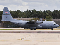 United States Air Force | Lockheed Martin C-130H Hercules | 95-6710 (MTV Aviation Photography) Tags: united states air force lockheed martin c130h hercules 956710 unitedstatesairforce lockheedmartinc130hhercules usaf ang raflakenheath lakenheath egul canon canon7d canon7dmkii