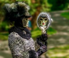 Le reflet de la Vénitienne (musette thierry) Tags: venitien musette nikon nikond800 d800 portrait fête carnaval reflets reflex nikkor noir glace jeux composition capture