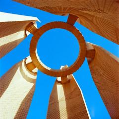 EG0029 (borealis lysfanger) Tags: portra aswan aswandammen nilen hasselblad 503cw carlzeiss carl zeiss distagon 50 kodak color farger egypt egyptology iso negative film 120 6x6 architecture contrast medium format wide