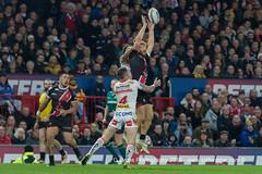 Kris Whelham wins a high ball-2107 (G I Lyons) Tags: rugbyleague betfredsuperleague grandfinal oldtrafford salfordreddevils sthelens saints trafford greatermanchester unitedkingdom