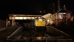 Going south (Duck 1966) Tags: d7535 class25 ballast train diesel locomotive emrps llangollenrailway nightime darkness