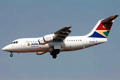 Airlink | Avro RJ85 | ZS-ASY | Johannesburg International (Dennis HKG) Tags: airlink lnk 4z southafrica aircraft airplane airport plane planespotting johannesburg faor jnb ortambo fajs britishaerospace rj85 avro regionaljet bae146 zsasy