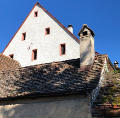 Chimney/s (Rosmarie Voegtli) Tags: chimneys arlesheim kamine dorf village basellandschaft roofs dächer sky himmel 119picturesin2019 19 triangulated triangel dreieck geometric architecture